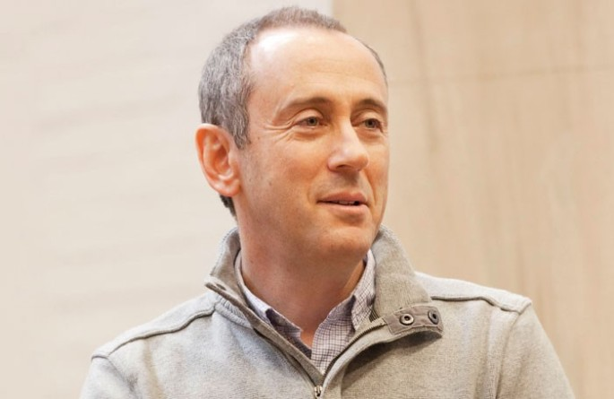 2a.-Nicholas-Hytner-in-rehearsal-credit-Johan-Persson-700x455